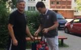 Video: LHF palīdz Latvijas hokeja veterāniem sagatavoties Jāņiem