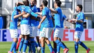 ''Napoli'' uzvar un pakāpjas uz otro vietu A sērijā, ''Lazio'' zaudē svarīgus punktus