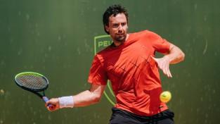Gulbis pēc uzvaras pirmajā setā cieš zaudējumu Halles ATP turnīra kvalifikācijā