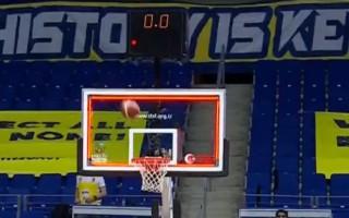 Video: 17 pēdējās sekundēs atspēlē astoņus punktus un izrauj neizšķirtu