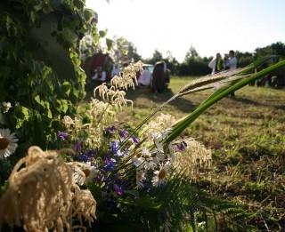 5 ieteikumi, kā Līgo svētkus pavadīt gan jautri, gan dabai draudzīgi