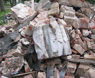 Rekonstrukcijas laikā atrod daļu Ļeņina skulptūras