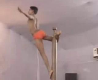 Video: Pilnīgi traki dejotāji pie stieņa