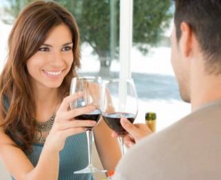 Par ko runāt pirmajā randiņā jeb kā uzturēt sarunu?