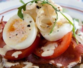 Kādas ir ideālas čempionu brokastis? stāsta šefpavārs Gints Aizupietis
