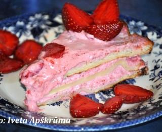 Vasarīgā zemeņu torte