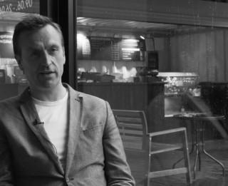 MVT Vasaras mājas izstāžu sēriju turpina mākslinieks Gints Gabrāns (+VIDEO)