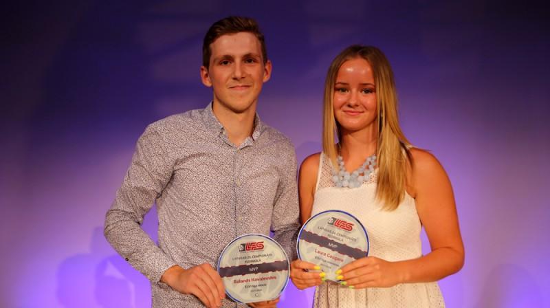 MVP - Laura Gaugere un Rolands Kovaļevskis Foto: Ritvars Raits, floorball.lv