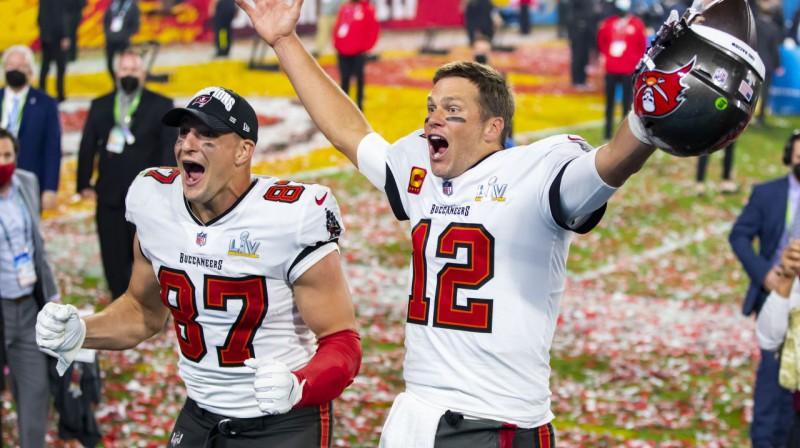 Robs Gronkovskis un Toms Breidijs svin panākumu. Foto: USA Today Sports/Scanpix