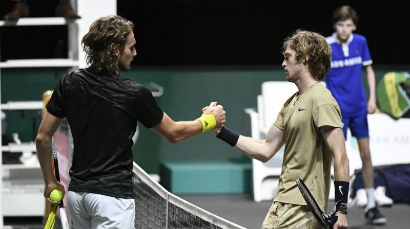 Stefanoss Cicipass un Andrejs Rubļovs Roterdamā. Foto: Reuters/Scanpix