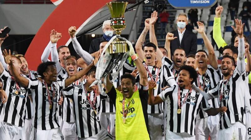 Džanluidži Bufons un ''Juventus'' līksmo. Foto: Reuters/Scanpix