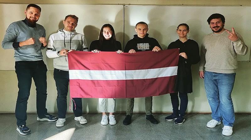 Latvijas izlases dalībnieki. Foto: Latvijas šaha federācija.