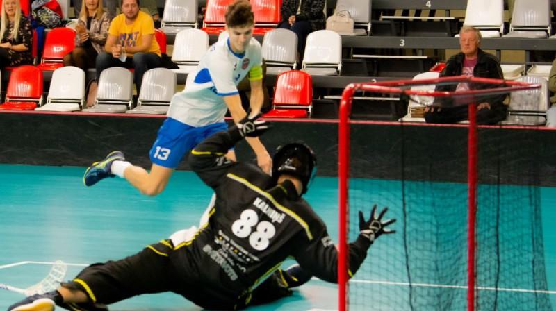 Klāvs Jansons (#13) Foto: Floorball.lv