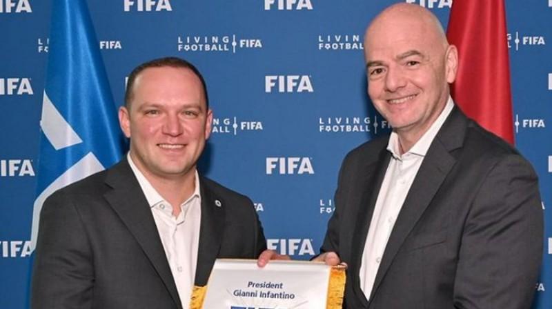 Vadims Ļašenko un Džanni Infantīno. Foto: FIFA