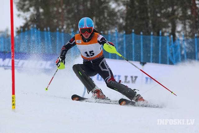 K.Zvejnieks un L.Gasūna desmitniekā slalomā Zviedrijā