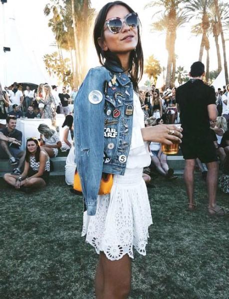 Festivālu modes tendences – džinss, metāliskas krāsas un gumijnieki