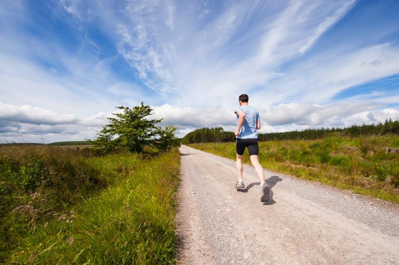 Kā pareizi sagatavoties skriešanai vēsā laikā?