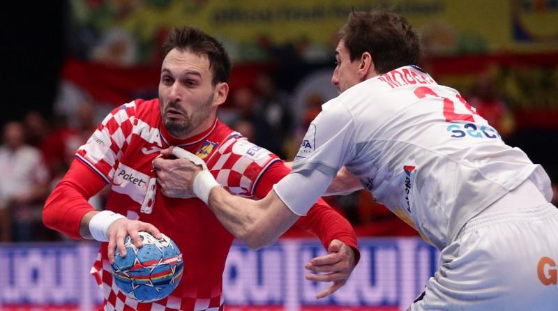 Spānija galotnē notur pirmo vietu grupā, Portugāle ieved Slovēniju pusfinālā