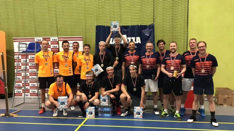 """""""Oliver Latvija"""" uzvar Latvijas vīriešu komandu kausā badmintonā"""
