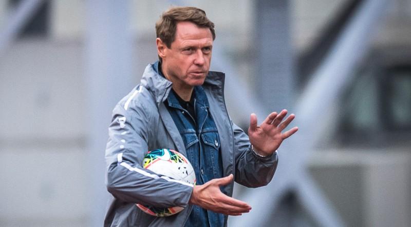 """""""Ufa"""" tēmē uz """"Riga"""" treneri Kononovu, """"Astana"""" pārtrauc sadarbību ar Ašvortu"""