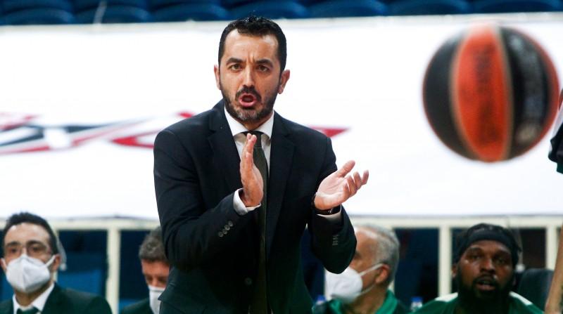 """Atēnu """"Panathinaikos"""" pēc pirmā zaudējuma Grieķijas čempionātā atlaiž galveno treneri"""