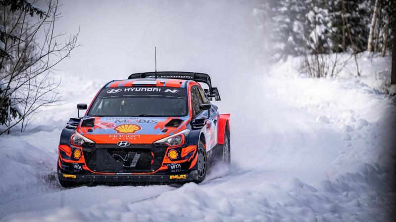 Pēc Lapzemes WRC rallija pirmās dienas līderis Ots Tanaks