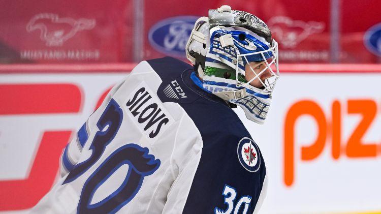 "Vārtsargs Šilovs pirmo reizi izsaukts uz NHL klubu ""Canucks"""