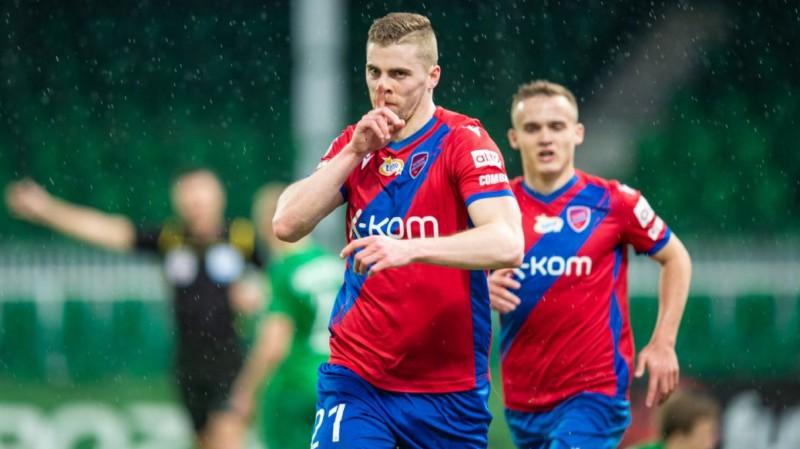 """Gutkovskim rezultatīva piespēle, """"Rakow"""" tuvojas Polijas Ekstraklases medaļām"""