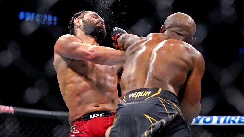 Usmans piebeidz Masvidalu, Namajuna atgūst UFC titulu ar lielisku nokautu