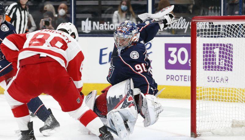 """Merzļikinam sausā uzvara pret """"Red Wings"""", Bļugers izkaujas """"Penguins"""" zaudējumā"""