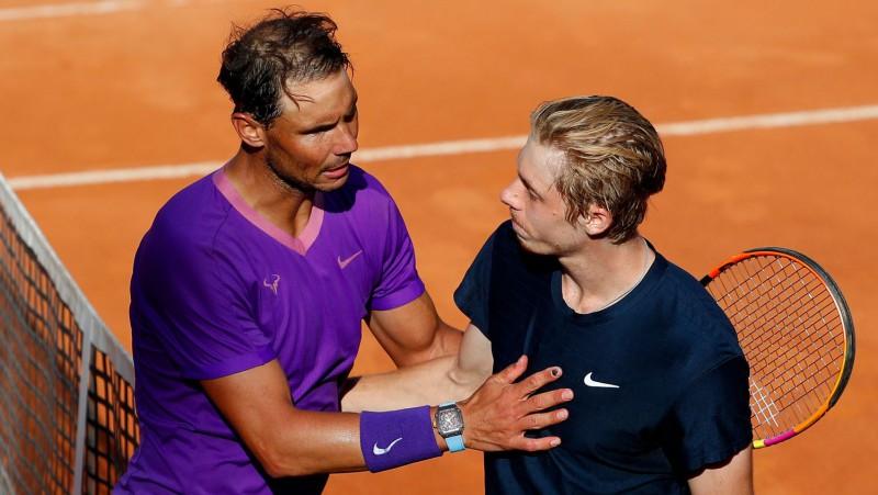 Šapovalovs ar mačbumbām zaudē Nadalam, Nišikori izsēj pārsvaru pret Zverevu