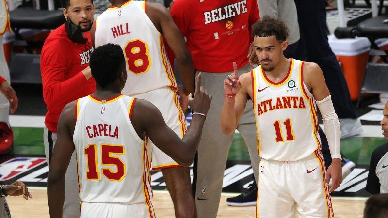 Fantastiskais Jangs salādē 48 punktus, Atlanta nozog pirmo spēli arī no Milvoki