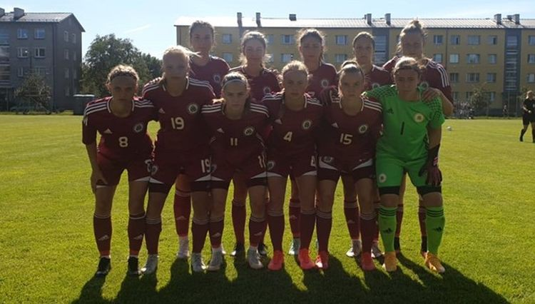 Latvijas U19 meiteņu izlase iegūst Baltijas kausu