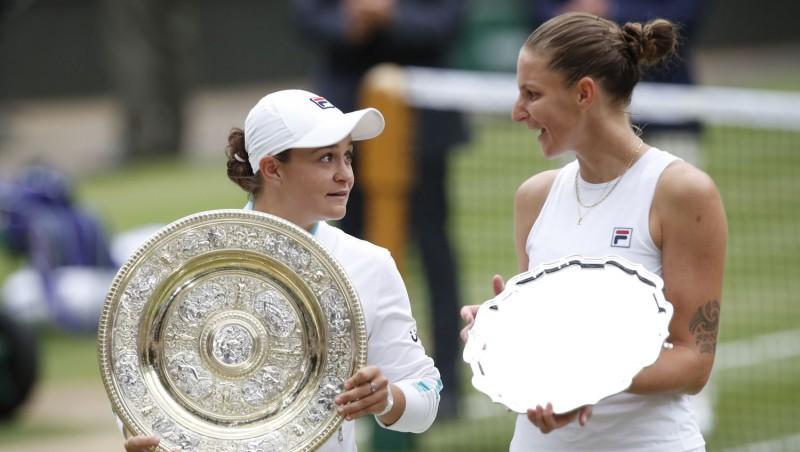 """Bārtija Vimbldonā izcīna otro """"Grand Slam"""" titulu"""