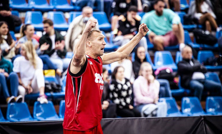 """""""Riga"""" 3x3 basketbolisti nenosargā pārsvaru un zaudē Debrecenas turnīra finālā"""