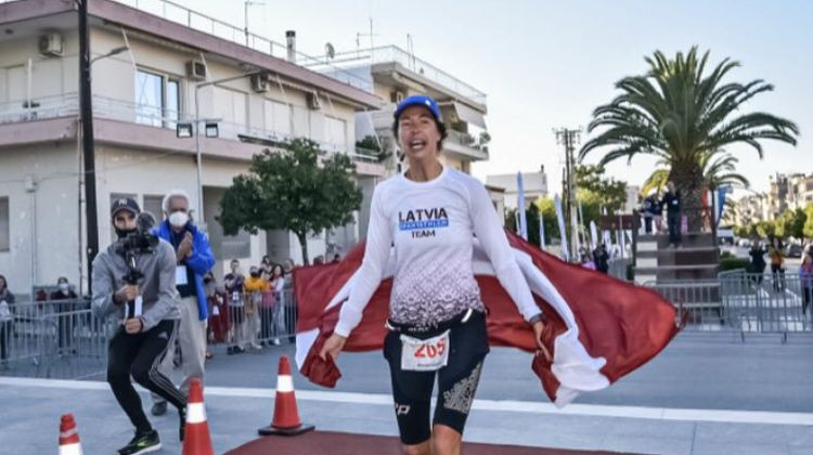 Latvijas skrējēja Džaviza uzvar 246 kilometrus garajā Spartatlonā