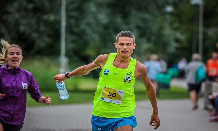 Latvijas skrējēju veiksmīgie starti Lietuvas krosa čempionātā